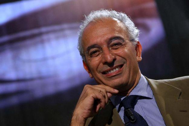 Ascolti tv lunedì 10 dicembre 2012: L'Isola risale a 5 mln, L'Infedele chiude e sfiora il 5%