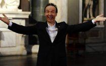 Programmi tv stasera, oggi 17 dicembre 2012: La più bella del mondo con Roberto Benigni