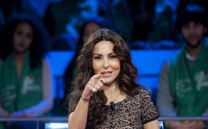 Baciamo le mani: il cast e la trama della nuova fiction di Canale 5