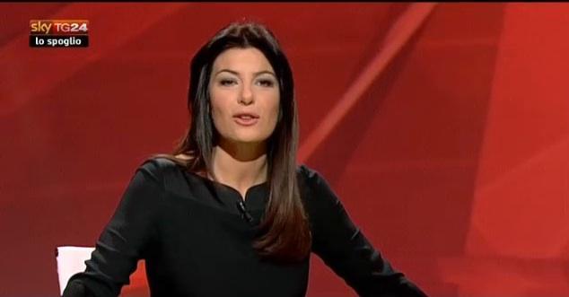 Ilaria D'Amico vs. Silvio Berlusconi: la giornalista lo intervista e lo zittisce [VIDEO]