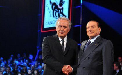 Servizio Pubblico, Berlusconi da Santoro scatena la rissa con Travaglio [VIDEO]