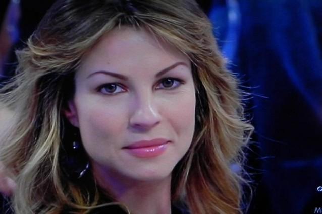 Uomini e Donne, trono Under: Roberta Ruiu torna con l'ex, Tommaso e Teresa incerti
