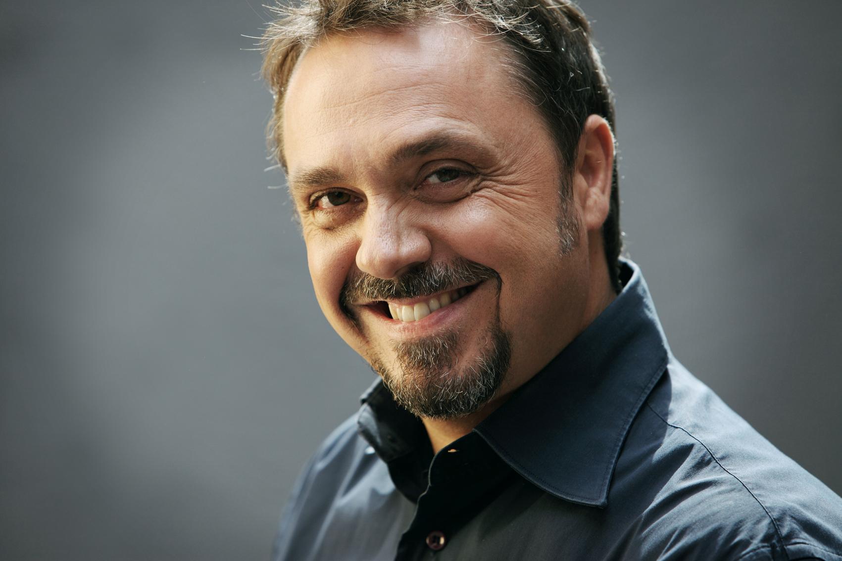 RaiUno: Gabriele Cirilli conduce C Factor, nuovo talent show sui comici