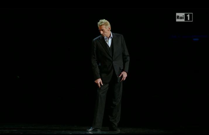 Sanremo 2013: Lutz Forster danza sulle note di Caetano Veloso