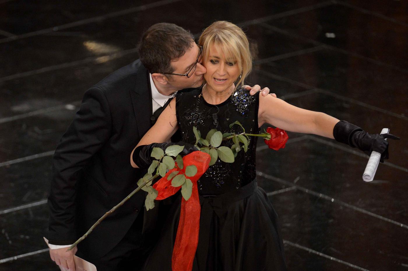 Ascolti tv martedì 12 febbraio 2013: la prima serata di Sanremo polverizza le altre reti