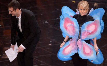 """Sanremo 2013: Luciana Littizzetto """"omaggia"""" la farfallina di Belen Rodriguez"""