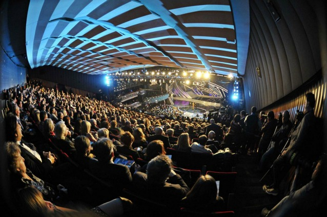Sanremo 2013, controprogrammazione Mediaset e La7: si batte in ritirata