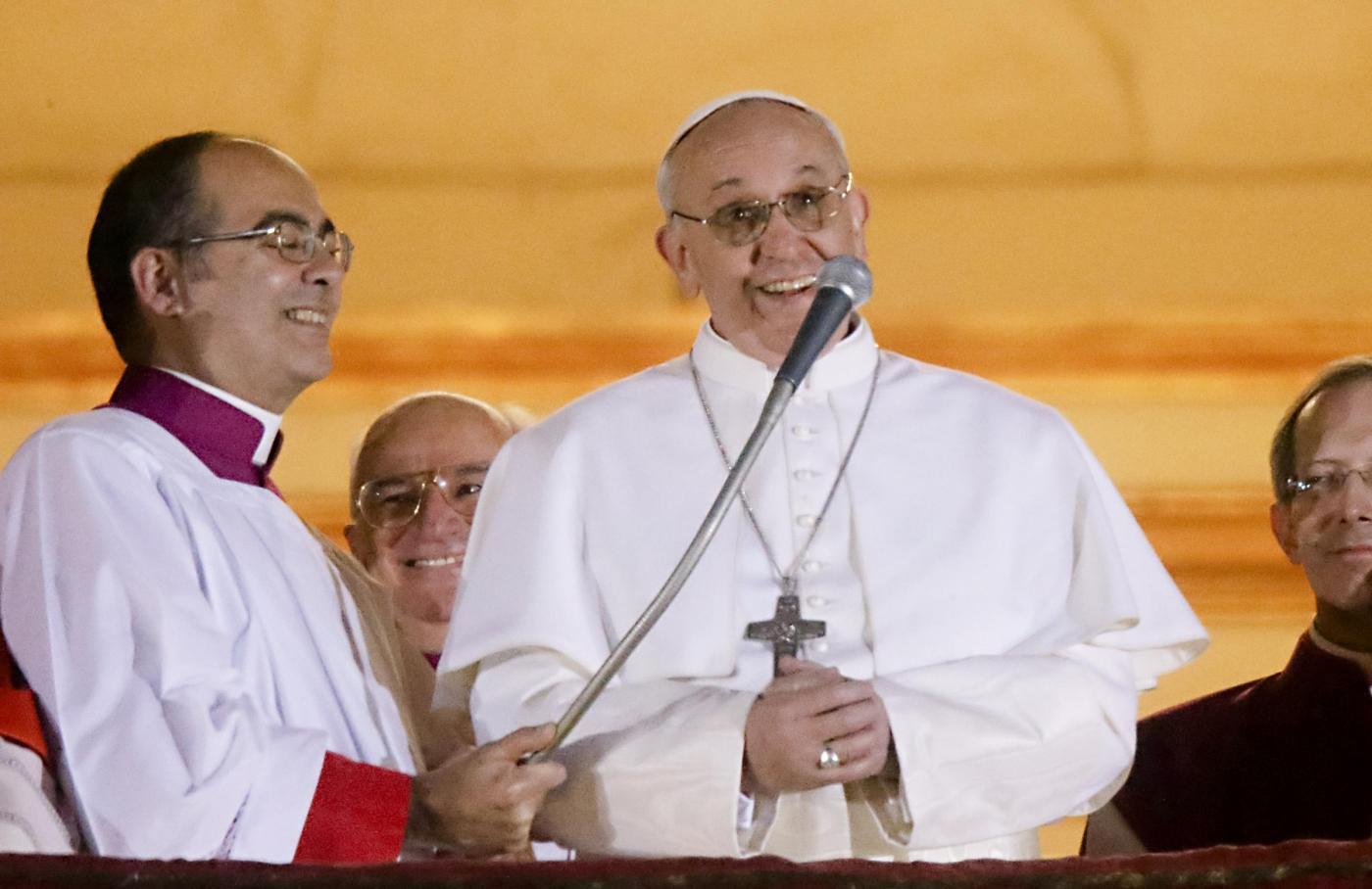 Ascolti TV mercoledì 13 marzo 2013: Porta a Porta sull'elezione del papa vince la serata