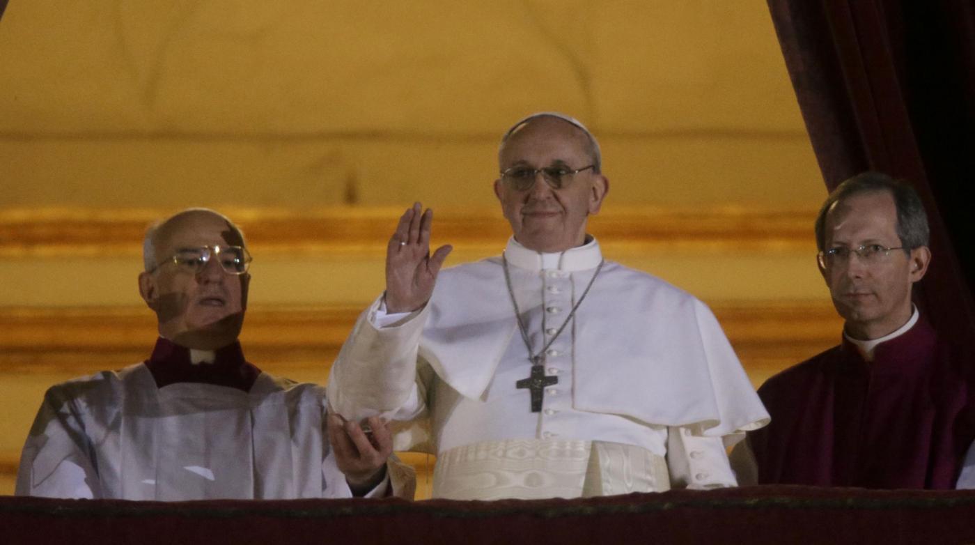 Eletto il nuovo papa Francesco I: come cambia la programmazione in TV