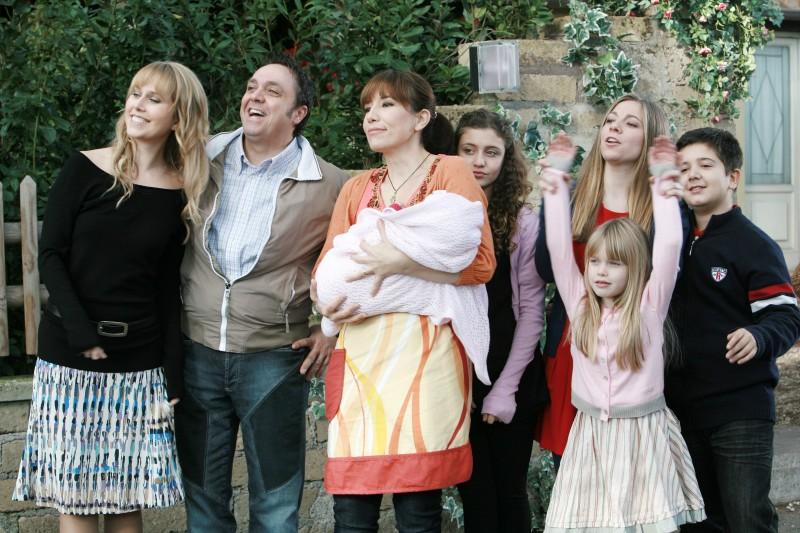 Programmi Tv stasera, oggi 24 marzo 2013: Un medico in famiglia 8, Le Iene Show