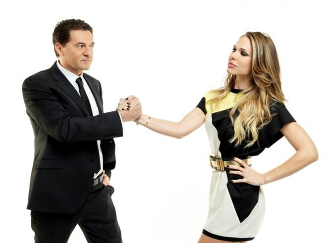 Stasera mi tuffo su Canale 5: Teo Mammucari e Ilary Blasi al timone