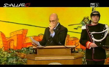 Crozza a Ballarò fa Napolitano: 'Se fossi in voi non mi chiederei più niente'