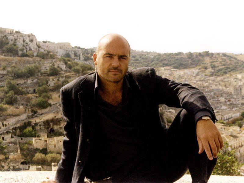 Ascolti Tv lunedì 15 aprile 2013: vince il Commissario Montalbano con quasi 10 mln