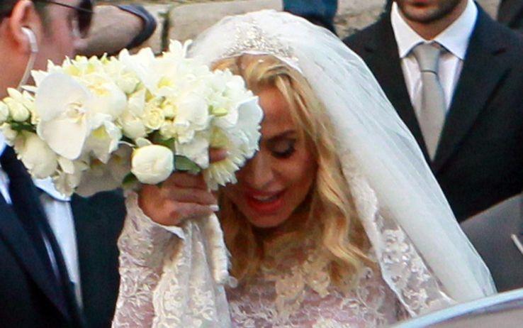 Matrimonio In Diretta : Valeria marini sposa giovanni cottone il matrimonio in