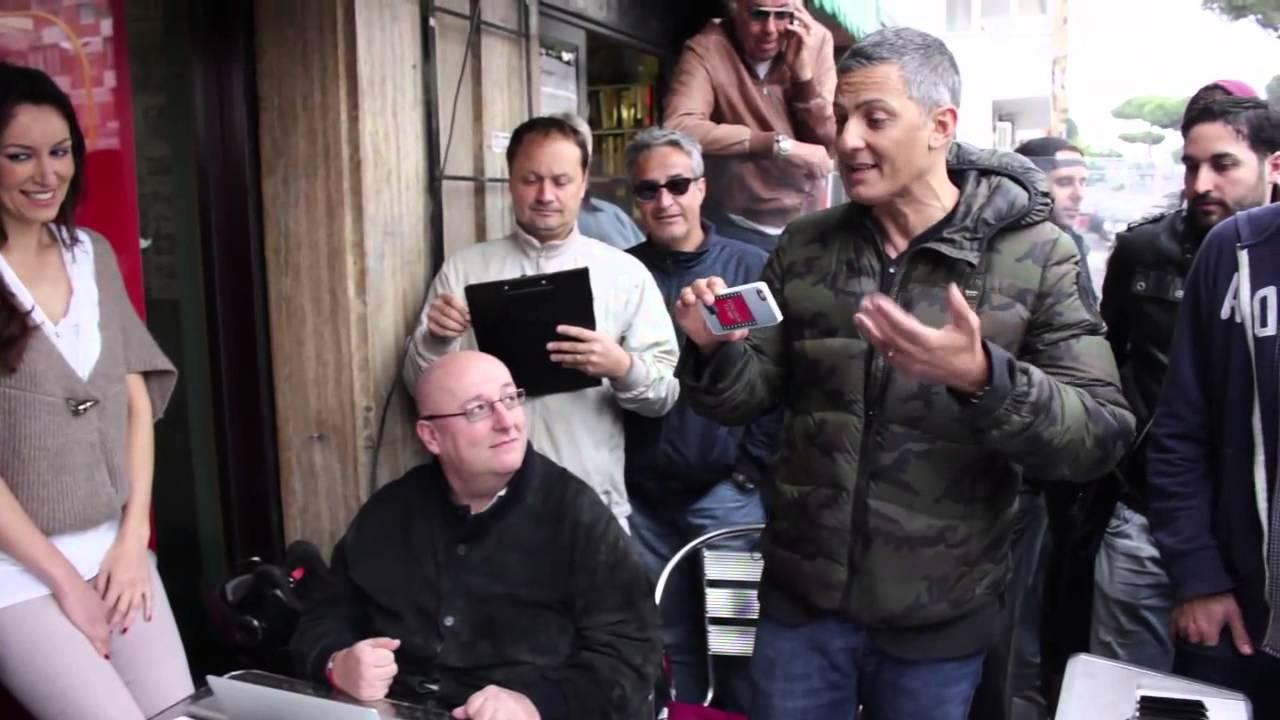 Edicola Fiore Live: per la prima volta in diretta la rassegna stampa online di Fiorello