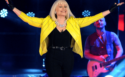The Voice of Italy 2, Raffaella Carrà sbarca su Twitter e rivela: 'J-Ax a volte piange'