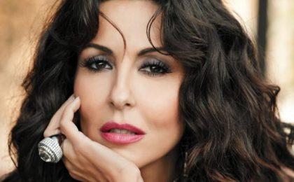 Baciamo le mani: dal 2 settembre su Canale 5 la fiction con Sabrina Ferilli e Virna Lisi