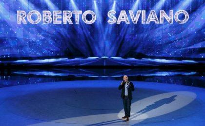Amici 2017, Roberto Saviano al Serale contro il cyberbullismo: 'Si impara a vivere imparando a parlare'