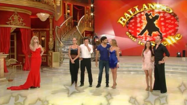 Stasera in TV, sabato 2 novembre 2013: Ballando con le stelle, Truman Capote