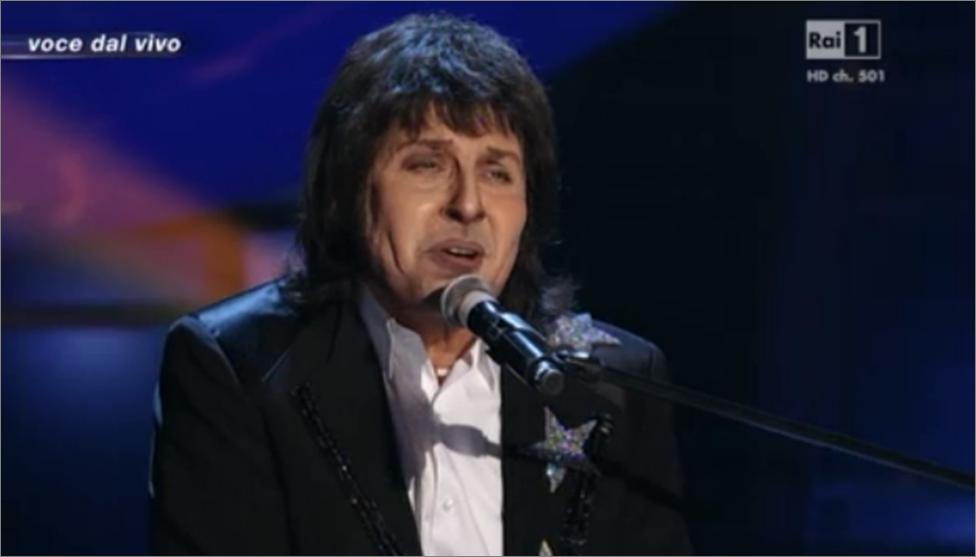 Fabrizio Frizzi imita Paul McCartney