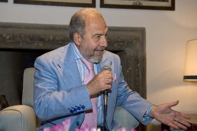 Antonio Caprarica, addio poco 'british' alla Rai: il giornalista fa causa per 'persecuzione'