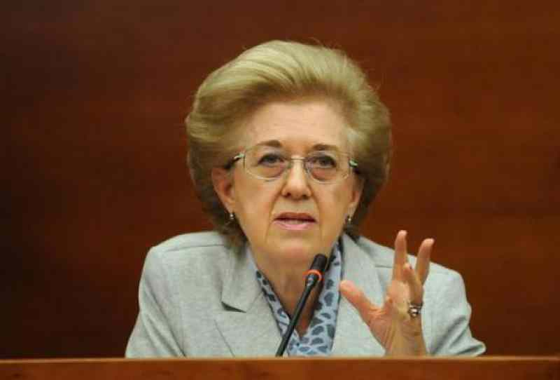 Papa Francesco: Rai, all'udienza Anna Maria Tarantola vuole solo coppie sposate