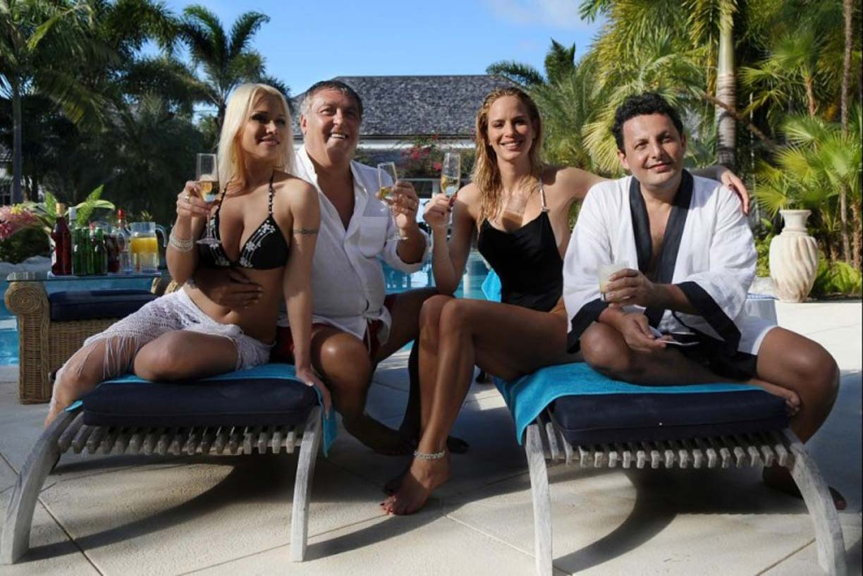 Stasera in TV, giovedì 23 gennaio 2014: Don Matteo 9, Un'estate ai Caraibi, Mistero
