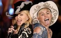 Miley Cyrus e Madonna protagoniste-scandalo allMtv Unplugged [FOTO+VIDEO]