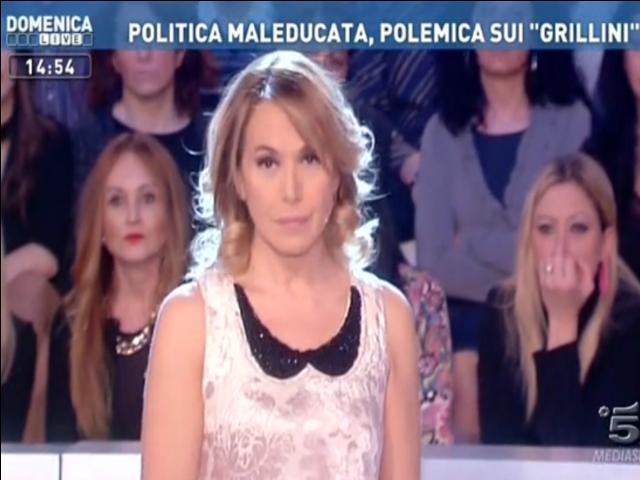 Domenica Live: Barbara D'Urso fa le pulci a Daria Bignardi e 'rispolvera' l'ex gieffino