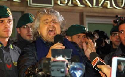 Beppe Grillo a Porta a Porta: Bruno Vespa in video con la politica evento