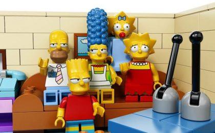 I Simpson diventano Lego, l'episodio in onda a maggio [FOTO – VIDEO]