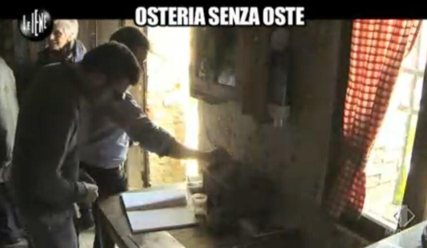 Le Iene 12032014 Osteria 02