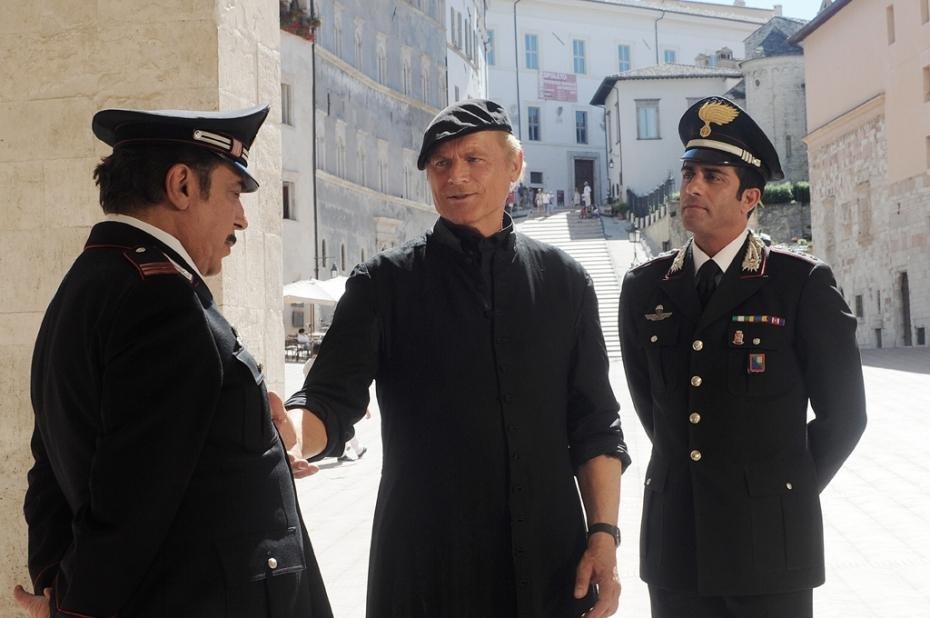 Stasera in TV, giovedì 3 aprile 2014: Don Matteo 9, The Queen, Lione – Juventus