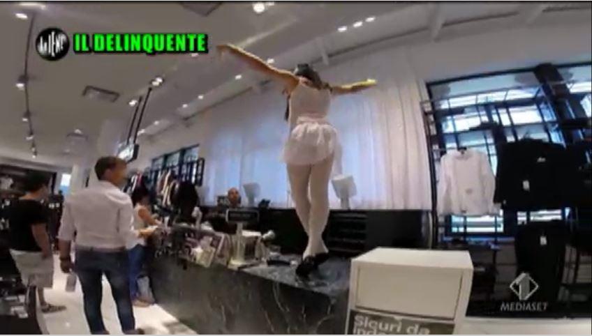Le Iene 170914 Angelo Duro ballerina