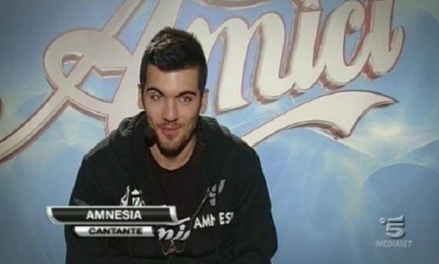 Amnesia di Amici arrestato per droga: guai per il rapper ribelle del talent show