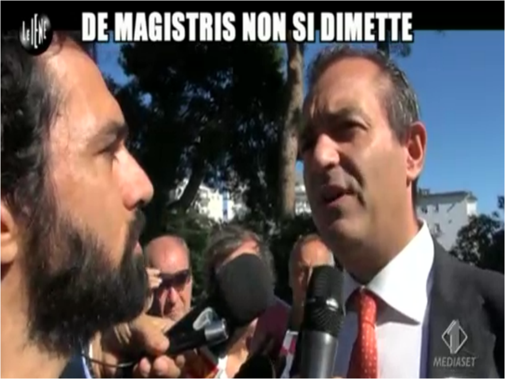 De Magistris non si dimette