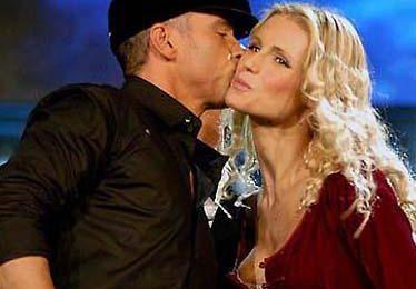 """Michelle Hunziker è la più """"mediatica"""" del 2007, Eros Ramazzotti il più amato"""