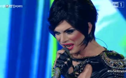 Forte Forte Forte, Raffaella Carrà rivede Daniel DeCò: la drag queen è un ex Carramba boy