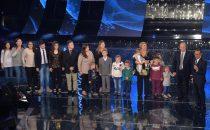 Sanremo 2015, la famiglia Anania (con 16 figli) canta Gli occhi dellamore verdi