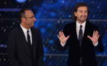 Sanremo 2015: Alessandro Siani al Festival fa il Roberto Benigni e ricorda Pino Daniele