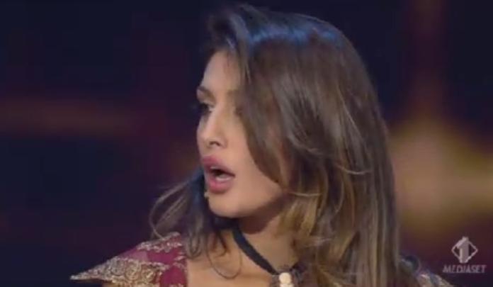 Cristina Buccino recita nella parodia de Il Segreto