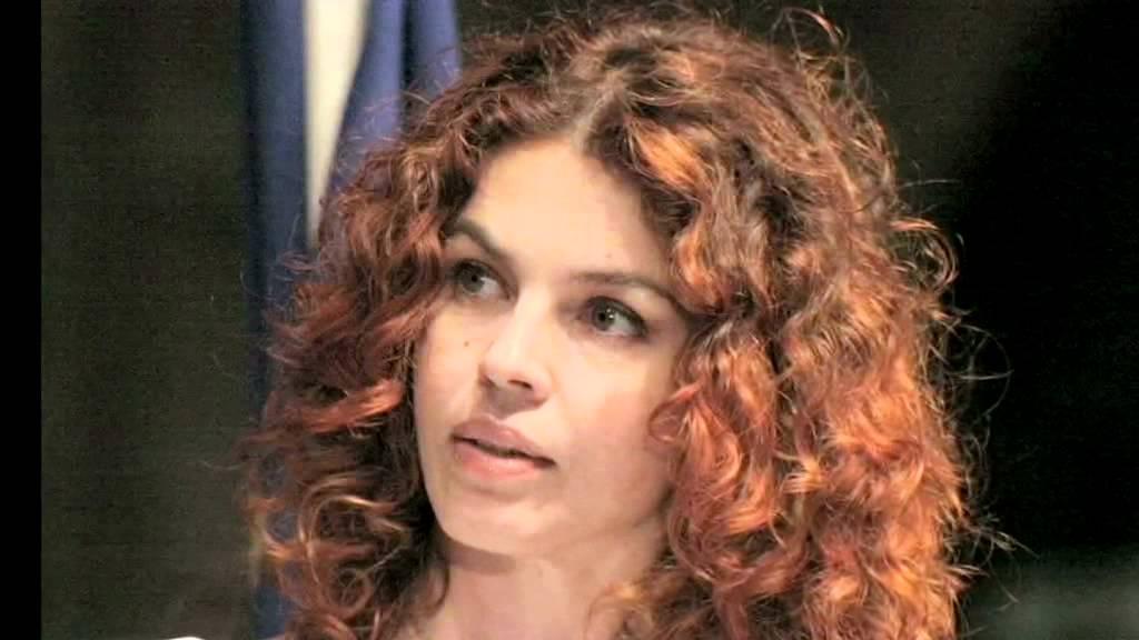 Paola Saluzzi contro Fernando Alonso: il sostegno del collega Gianluca Semprini in diretta su SkyTg24