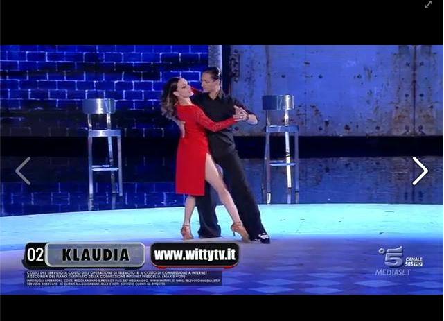 Klaudia balla un tango