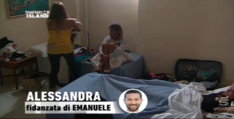 Alessandra fa le valigie