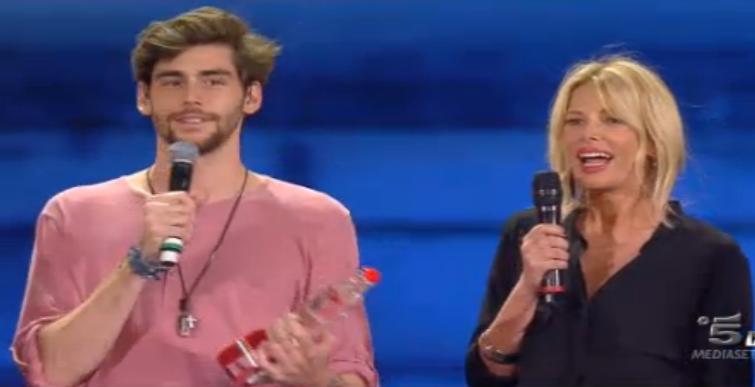 El Mismo Sol di Alvaro Soler vince la seconda puntata di Coca Cola Summer Festival 2015