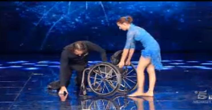 Tarek balla in sedia a rotelle
