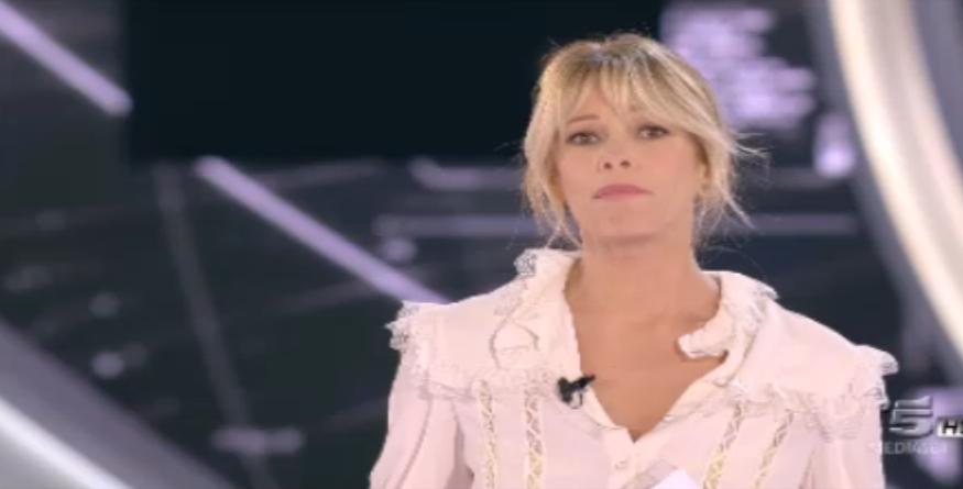 Alessia Marcuzzi in bianco, quinta puntata