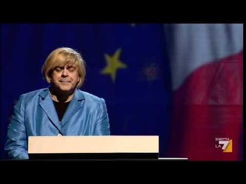 Italialand: Crozza si traveste da Merkel e canta per Monti (video)