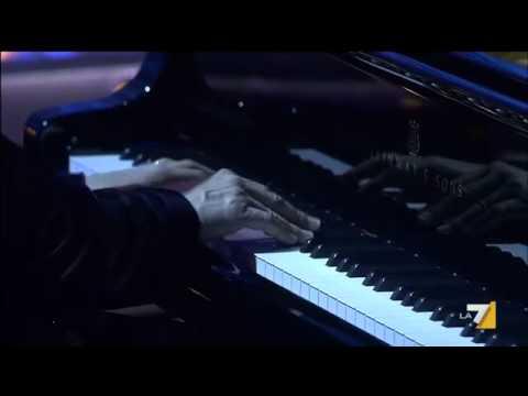 The Show Must Go Off, Piero Angela pianista d'eccezione per La 7 [VIDEO]