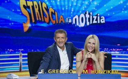 Ezio Greggio a Striscia la notizia con Michelle Hunziker: coppia di punta da 12 edizioni